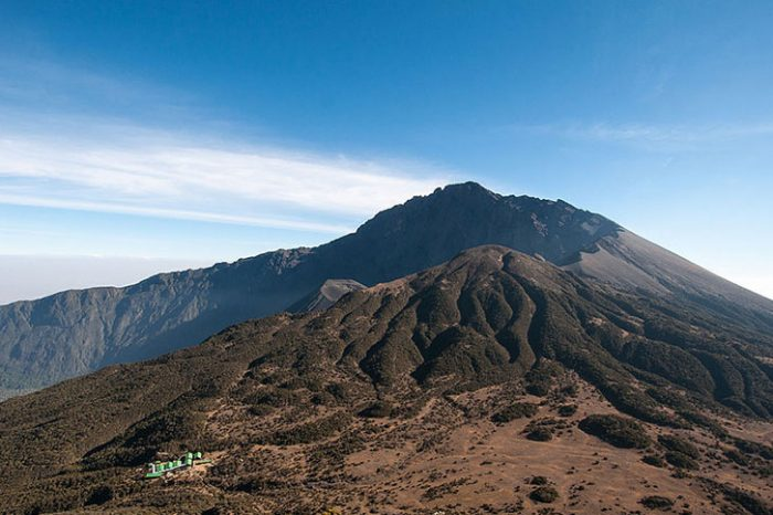 5 Days Mount Meru Trekking
